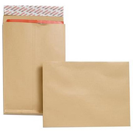 New Guardian Heavyweight C4 Gusset Envelopes, 25mm Gusset, 130gsm, Peel & Seal, Manilla, Pack of 25